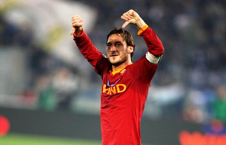 Totti nella top 3 delle presenze in Serie A: ecco la classifica
